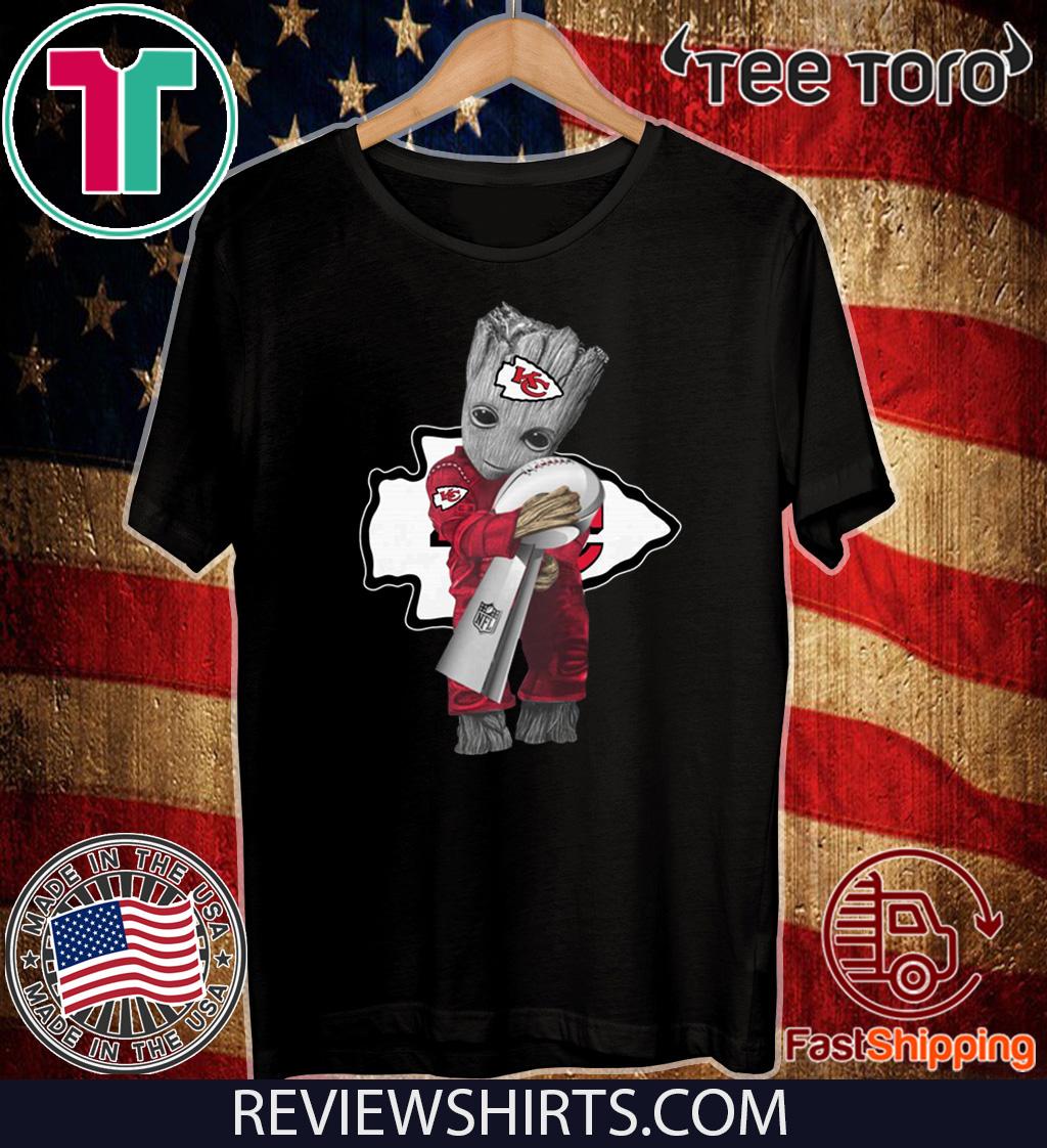 Baby Groot Hug Kansas City Chiefs Super Bowl Hot T-Shirt