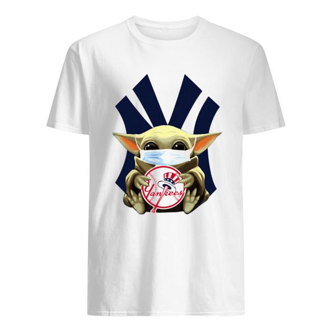 Star wars baby yoda mask hug new york yankees  Classic Men's T-shirt