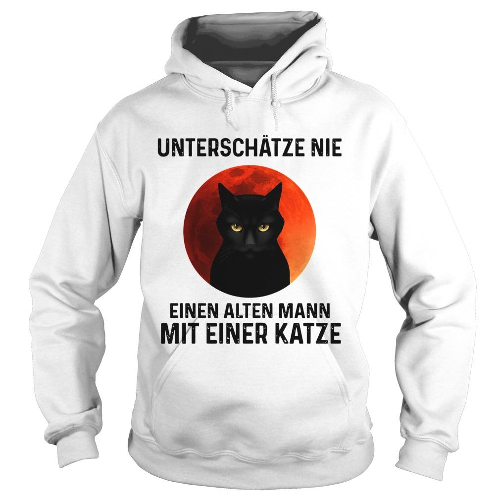 Black cat unterschatze nie einen alten mann mit einer katze  Hoodie