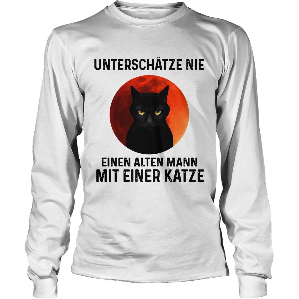 Black cat unterschatze nie einen alten mann mit einer katze  Long Sleeve
