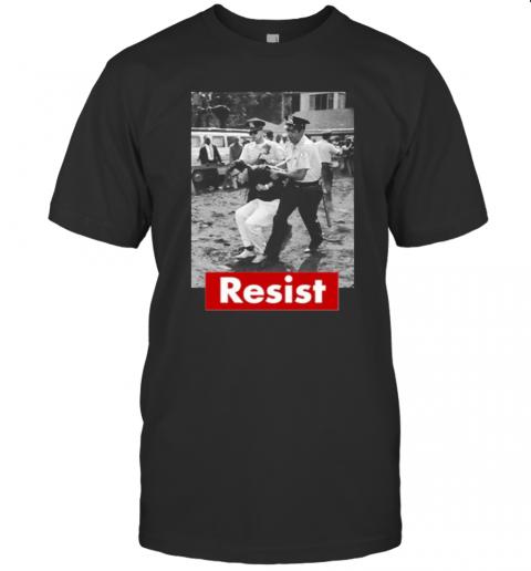 Resist Young Bernie Sanders Arrested T-Shirt Classic Men's T-shirt